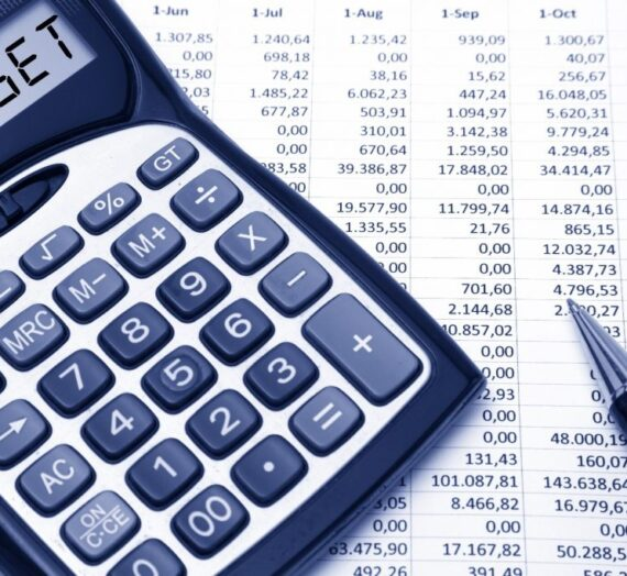 9 Tips on Setting a Budget